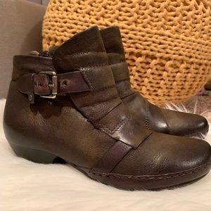 Miz Mooz Olive Green 'Ezra' Ankle Boots